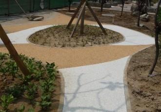 胶粘石透水石地坪施工