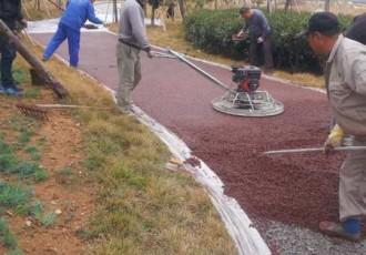透水胶粘石混凝土道路施工